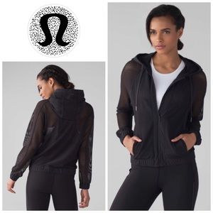 LULULEMON | Mesh On Mesh Jacket in Black Size 6